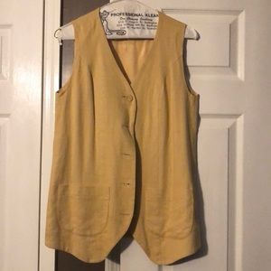Yellow vest with front pockets